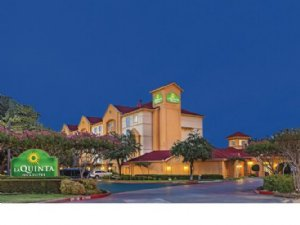 La Quinta Arlington South Hotel in Arlington TX