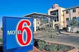 Motel 6 Hotel in Portland OR